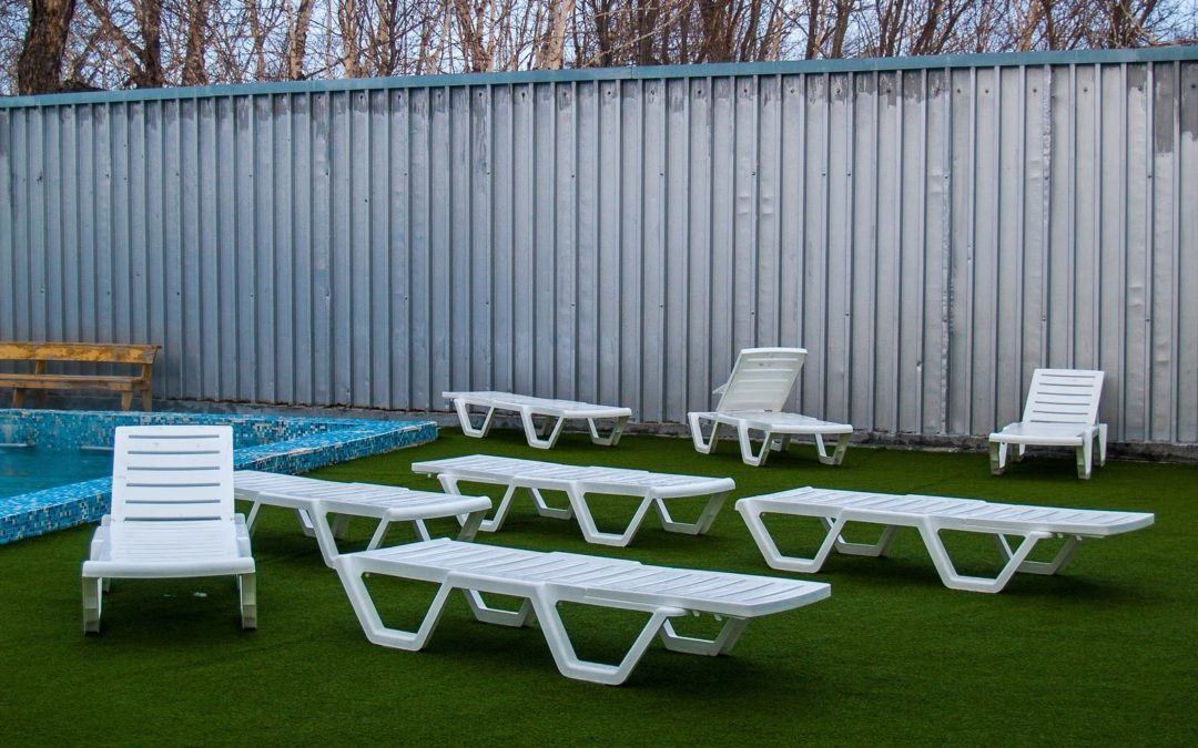 Perks of Pool Turf by an Artificial Grass Installer in Santa Rosa
